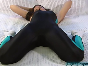 Brunettes, Flexible, Solo, Tease, Tight