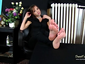 Feet, Foot fetish, Masturbating, Mature, Softcore, Worship
