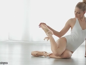 Ballerina, Blondes, Flexible, Kissing, Sexy