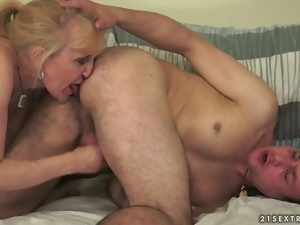 Blondes, Handjob, Jerking, Mature, Rimjob