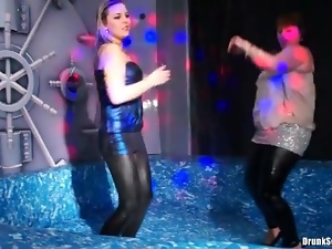 Club, Curvy, Dancing, Leather, Wet