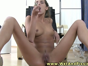 Brunettes, Dildo, Female ejaculation, Masturbating, Posing, Sex toys, Solo, Squirting, Tease