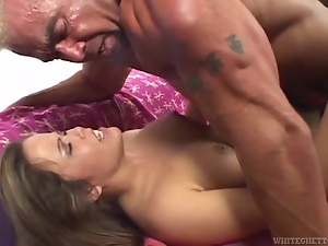 Brunettes, Bush, Cougar, Couple, Cumshots, Fucking, Hardcore, Milf, Missionary, Natural boobs, Sexy