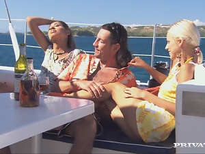Babes, Drunk, Ffm, Hardcore, Naughty, Outdoor, Reality, Threesome, Yacht