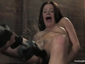 Bdsm, Machine sex, Squirting