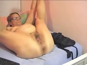 Amateur, Bitch, Granny, Hidden cam, Mature, Mom, Old, Voyeur, Webcam