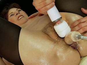 Brunettes, Granny, Hairy, Machine sex, Oiled, Old and young, Screaming, Sex toys, Short hair, Vibrator