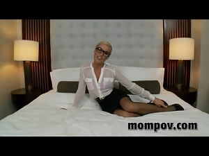 Amateur, Anal, Blondes, Cougar, Dildo, Mature, Solo, Stockings