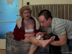 Feet, Foot fetish, Licking, Mature, Old and young