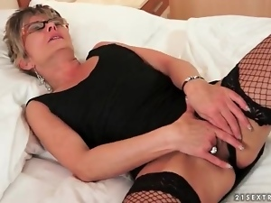Glasses, Lady, Masturbating, Mature, Old, Solo