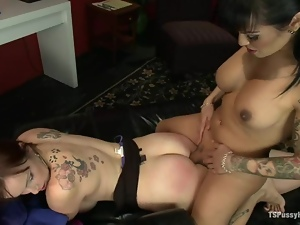 Doctor, Fucking, Horny, Mouthful, Pussy, Shemales, Transsexual