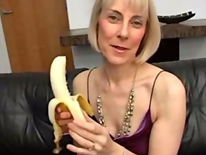Banana, Granny, Masturbating, Mature, Orgasm, Vegetable