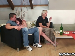 Granny, Legs, Mature, Naughty, Spreading