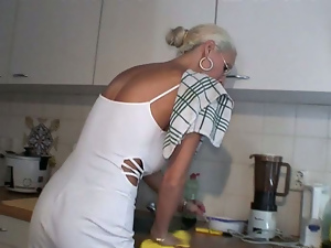 Blondes, Blowjob, Glasses, Homemade, Housewife, Kitchen, Mature, Mom, Pov