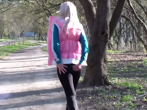 Blondes, Blowjob, Crazy, Fucking, Girlfriend, Outdoor, Park sex, Pov, Public, Small tits, Teens