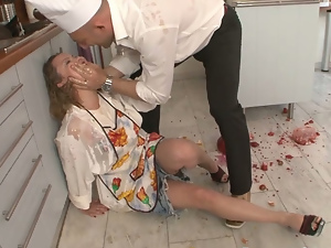 Blondes, Blowjob, Doggystyle, Hardcore, Housewife, Kitchen, Shorts