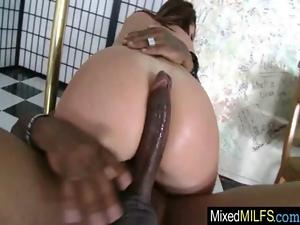 zrelie-zhenshini-konchayut-russkoe-porno