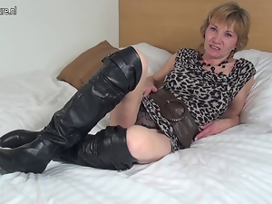 Alluring, Amateur, Dutch, Experienced, Granny, Horny, Mature, Milf, Pussy, Sex toys, Wet